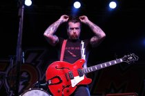 Amerikanische Stoner-Rock-/Garage-Rock-Band Eagles of Death Metal gastiert auf ihrer