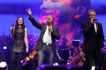 Morten Harket, Amy MacDonald, Mark King und John Miles beim Finale der Night of the Proms 2013 in der Lanxess-Arena Köln (© Thomas Brill)